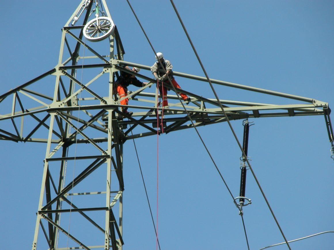 CONSTRUCTION D'INFRASTRUCTURES DE TRANSPORT D'ENERGIE